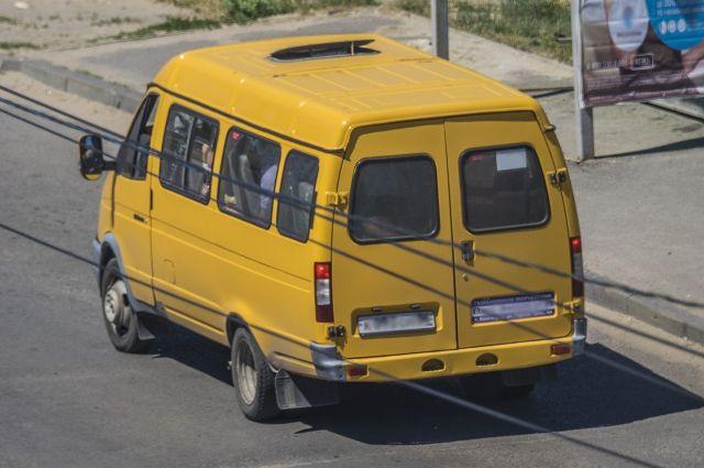 Автобус угнали из школьного гаража.
