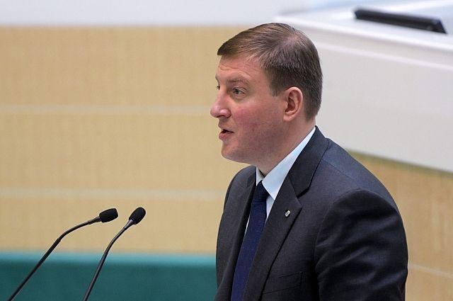 Единороссы выдвинут кандидатуру Андрея Турчака напост сенатора отПсковской области