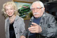 Джигарханяна Армен Джигарханян с супругой Виталиной Цымбалюк-Романовской.