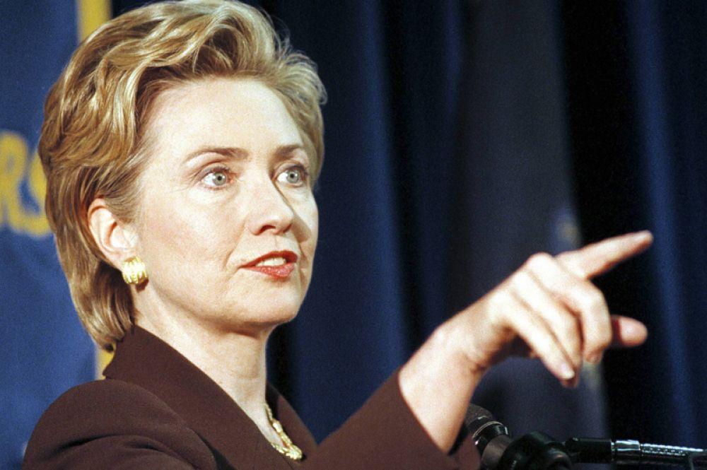 1999 год. Первая леди США Хиллари Клинтон объявляет о своем намерении баллотироваться в сенаторы штата Нью-Йорк.