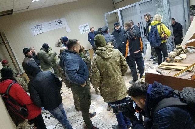 Силовики безжалостно избили 3-х корреспондентов всуде над Коханивским— Союз репортеров