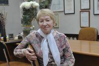 Людмила Николаевна Винникова в своём рабочем кабинете.