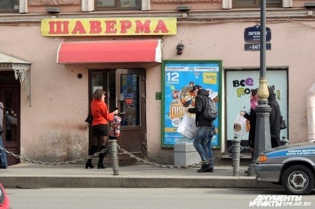Милонов попросил Полтавченко сохранить ларьки сшавермой