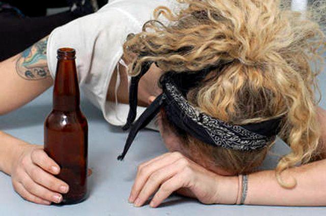 Ярославцы пьют много, в том числе и молодёжь.