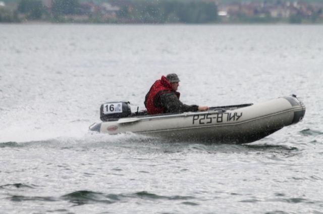 В Кемеровской области сотрудники МЧС спасли двух рыбаков.