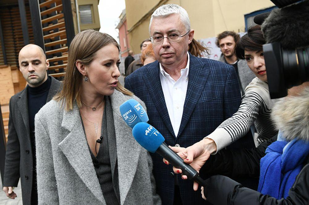 Главой предвыборного штаба Ксении Собчак был назначен политолог и журналист Игорь Малашенко. В 1996 году он руководил предвыборным штабом Бориса Ельцина.