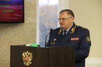 Владимир Андреев был заместителем начальника УФСИН по Брянской области. С 2008 года – руководит УФСИН по Смоленской области. С 2011 года занимал ту же должность в Оренбургской области.