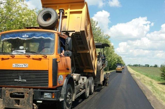 РостовАвтоДор на территории Ростовской области обслуживает север и восток, а такжетакже выполняет работы в Краснодарском крае, Калмыкии, Волгоградской области.
