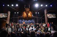 Актёры театра на юбилейном вечере, посвященном 90-летию Московского государственного театра «Ленком». 2017 год.