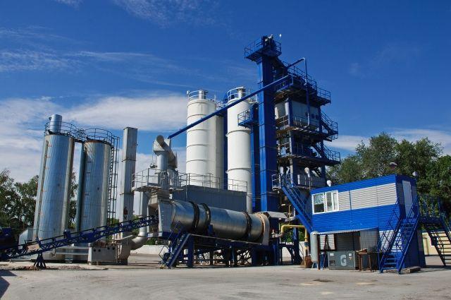 Асфальтобетонные заводы Ростовского ДСУ имеют собственные аккредитованные испытательные лаборатории, которые выполняют всю гамму работ по контролю качества выпускаемых смесей.