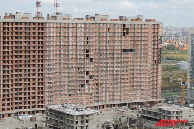 Дольщики сомневаются, что дома ГК «Город» достроят через полгода.