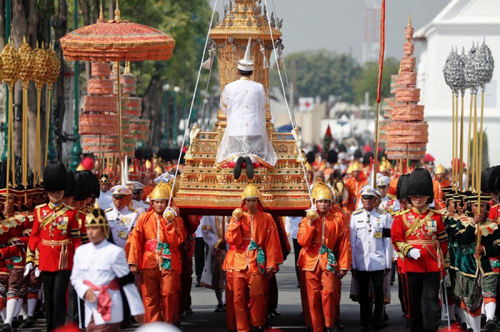 Траурная процессия прошла по улицами Бангкока.
