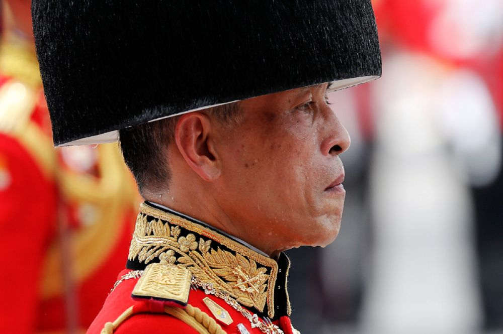 Король Таиланда Маха Вачиралонгкорн на траурной церемонии.
