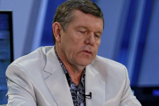 Бард Новиков желает отсудить у«Первого канала» млн евро