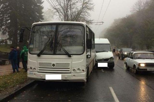 ВСтаврополе в трагедии автобуса имаршрутки пострадали 5 студентов