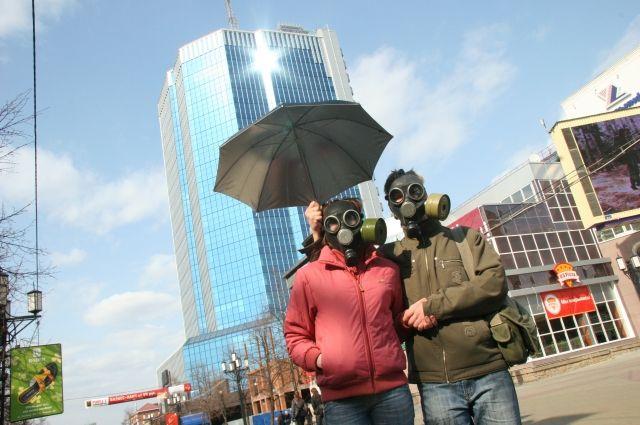 Жительница Челябинска предложила встретить В.Путина впротивогазах