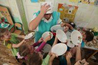 Накормить детей в саду непросто.