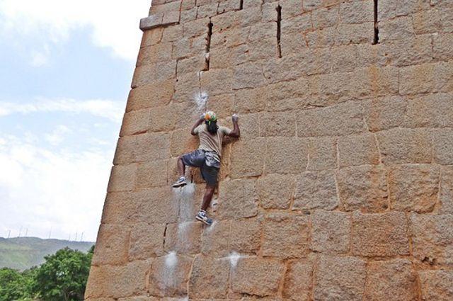 Юные тюменцы покорят скалодром