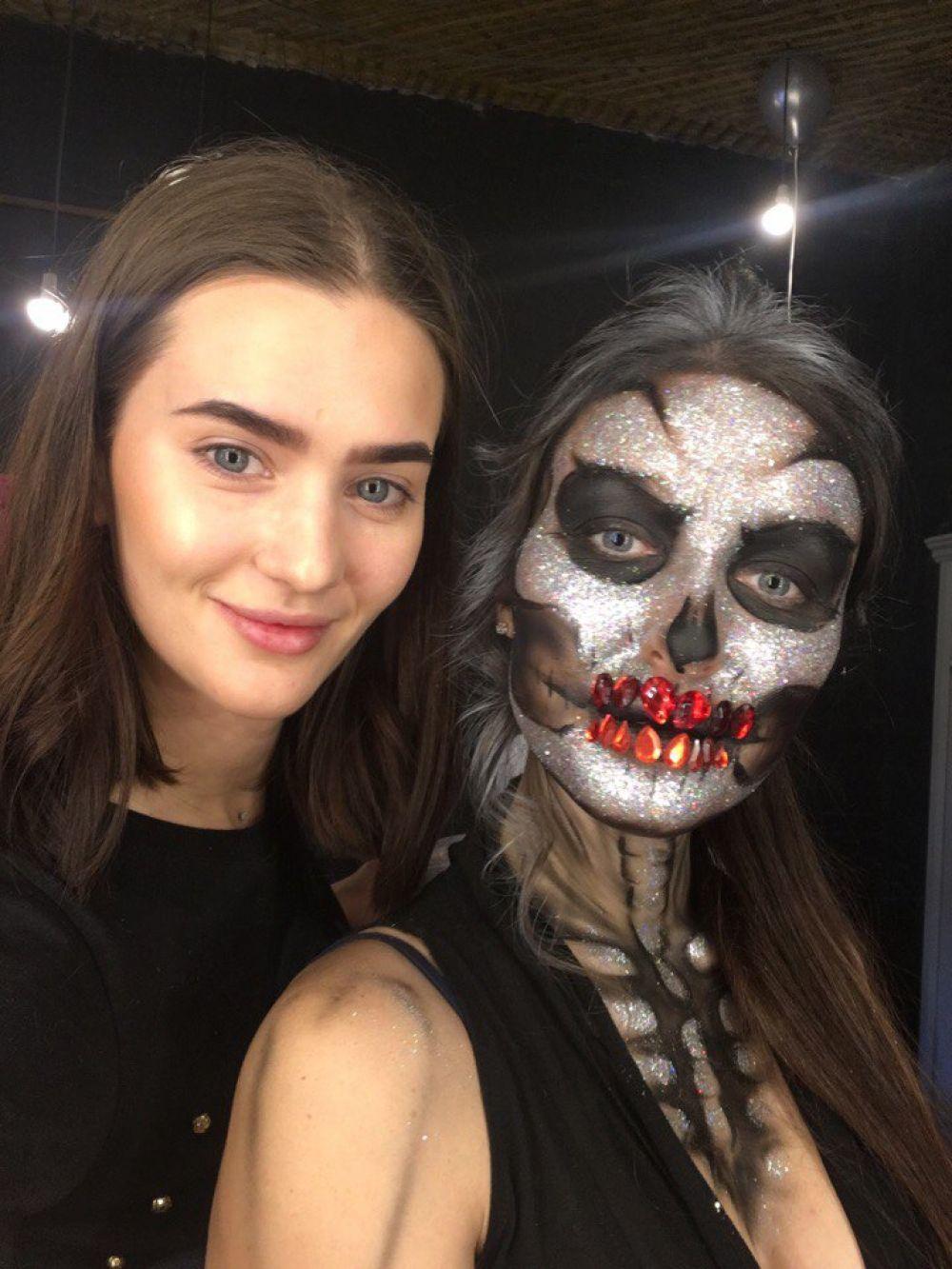 Люся Волегжанина со своей моделью.