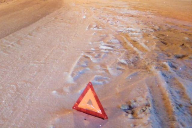 Вночном ДТП вПермском крае умер пассажир ВАЗа