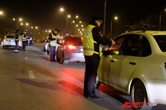 31-летнюю женщину на автомобиле Chery остановили во время рейда «Опасный водитель».