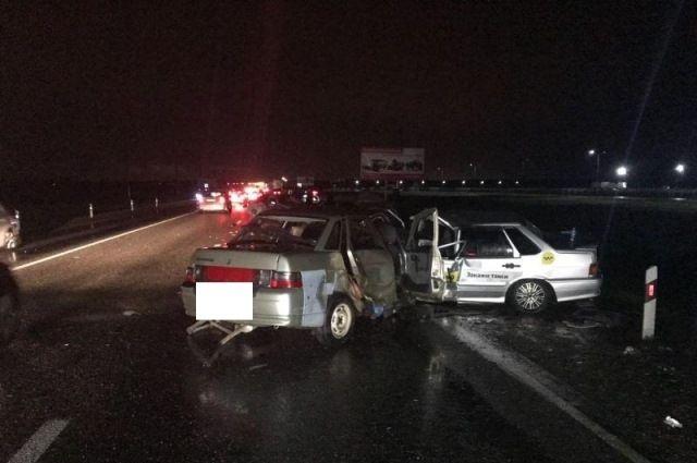 4 автомобиля столкнулись наСтаврополье, есть пострадавшие
