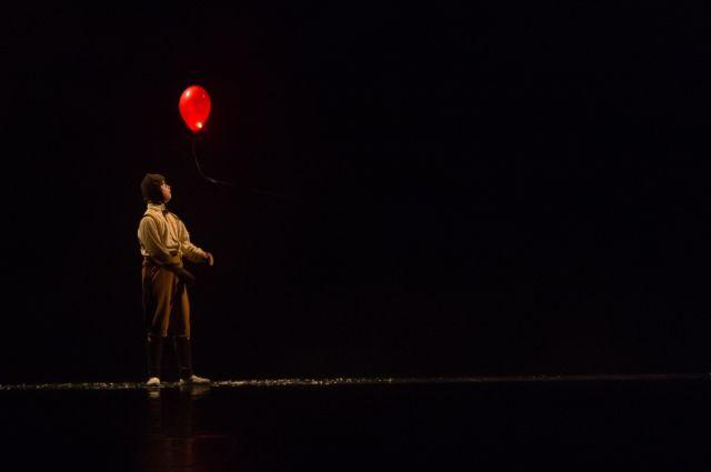 Сцена из спектакля «Племянник».