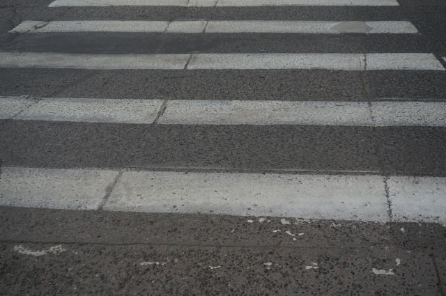 Двух пешеходов сбили в Кемерове на проспекте Ленина.