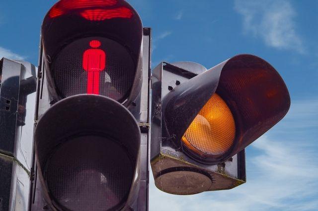 На одном из участков дороги не работает светофор.