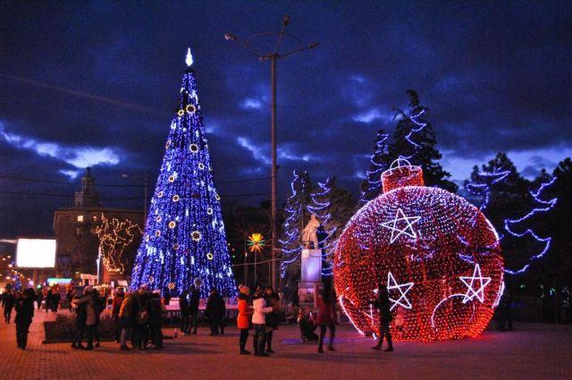 Наростовских дорогах до1декабря установят новогодние елки