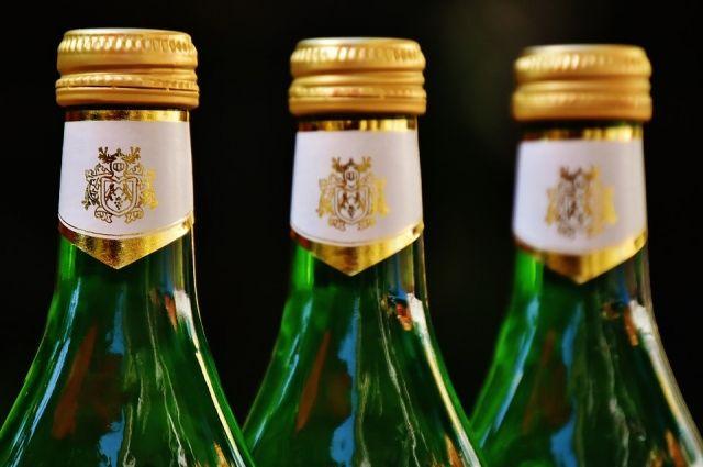 ВВолгограде схваченные подозреваются вподделке элитного алкоголя