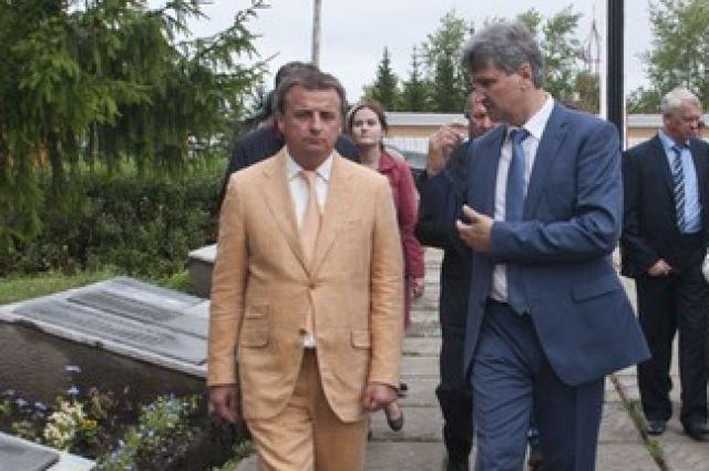Фридрих Мецлер (слева) готов стать главой Омска.