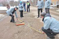 Общественники считают, что интерактивная карта «убитых» дорог должна стать для чиновников всех уровней настольной.