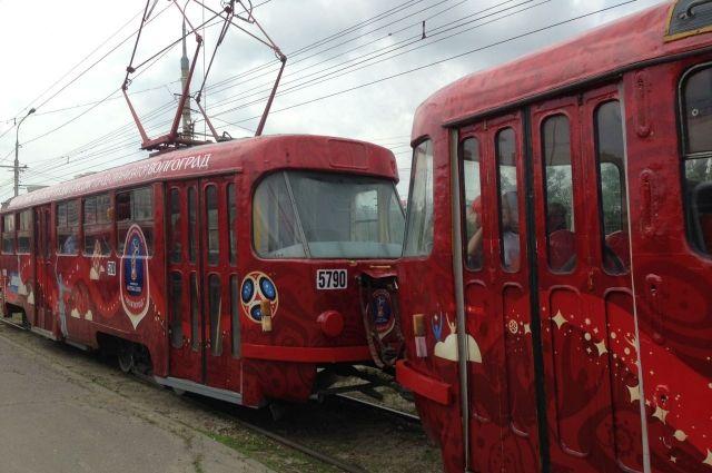 ВПетербурге 4 трамвая изменят маршруты из-за ремонта наплощади Мужества