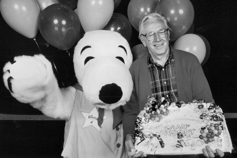 3 место. Американский художник Чарльз Шульц, автор серии комиксов Peanuts, скончался в 2000 году. Доход от продажи прав на использование созданных им произведений составил 38 миллионов долларов.