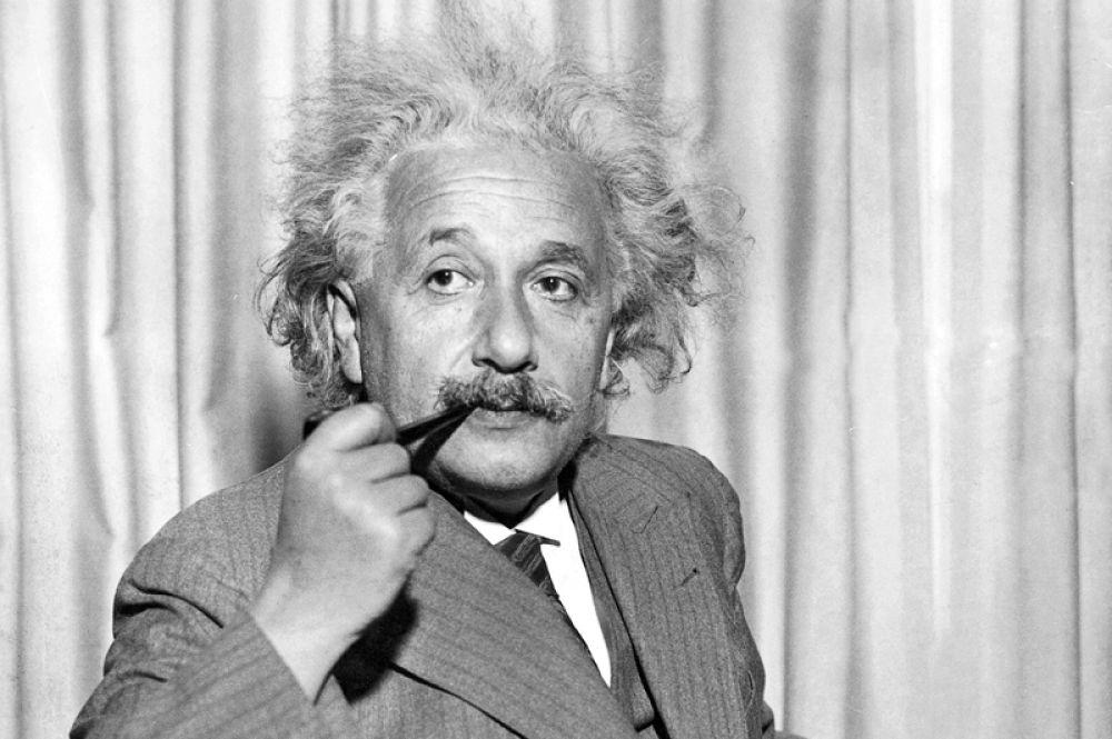 10 место. 10 миллионов долларов — доход нобелевского лауреата Альберта Эйнштейна. Его имя используется повсеместно, начиная от постеров до планшетов, разработанных израильской компанией Fourier Systems.