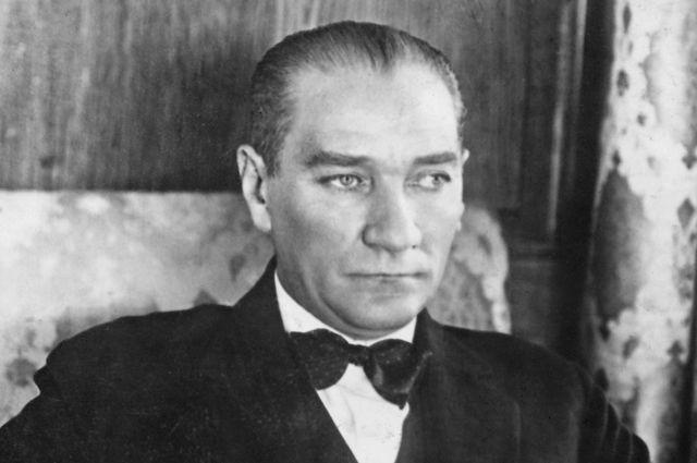 Кемаль Ататюрк.