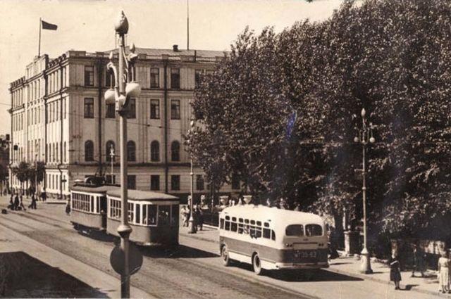 Здание Молотовского облисполкома, 1955 г.