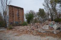 Сейчас в парке Собино все дорожки разбиты, оставшиеся обветшалые постройки стали прибежищем бомжей.