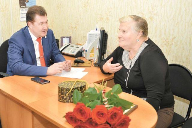 Многодетная мама Лидия Петрова попросила вернуть льготы родительницам-героиням.