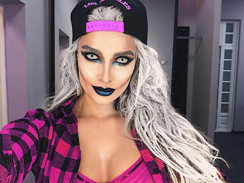 Кроме того, Татьяна Котова преобразилась с помощью праздничного макияжа: «Хэллоуин для меня – это еще одна прекрасная возможность выразить свое творчество