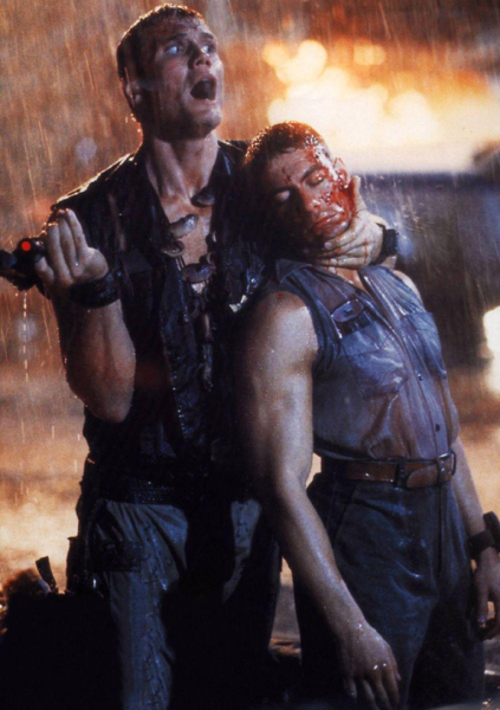 В фильме «Универсальный солдат» (1992) Лундгрен вернулся к роли отрицательного персонажа, сыграв американского солдата-садиста Эндрю Скотта.
