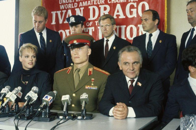 Роль советского боксёра Ивана Драго в фильме «Рокки 4» (1985) стала прорывом в карьере Лундгрена.