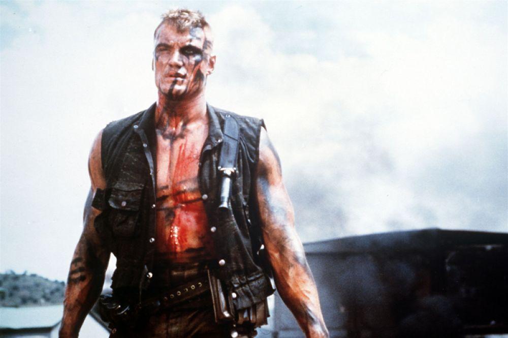 В следующем фильме «Красный скорпион» (1989) Лундгрен вновь исполнил роль русского военного Николая Раченко, отправленного в африканскую страну сражаться с антикоммунистическим режимом.
