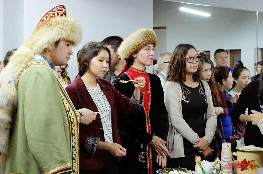 Участники и гости фестиваля.