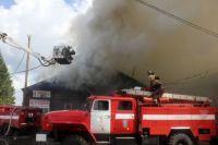 Локализовать возгорание удалось в 12:13, тушение огня еще продолжается.