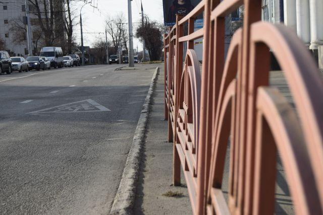 Гражданин Краснодара, ворующий плитку наулице Тургенева, попал навидео