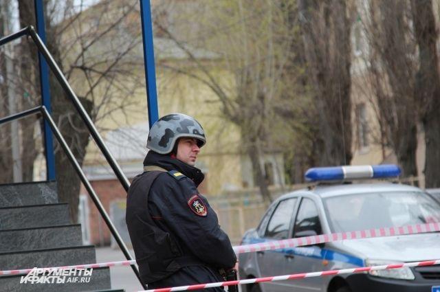 Опасных предметов в «заминированных» зданиях в Калининграде не нашли.