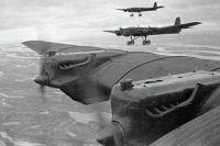 На базе тяжёлого бомбардировщика ТБ-3 Туполев создал самолёт-беспилотник.