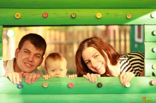 Нажилье омским молодым семьям выделили 83 млн руб.